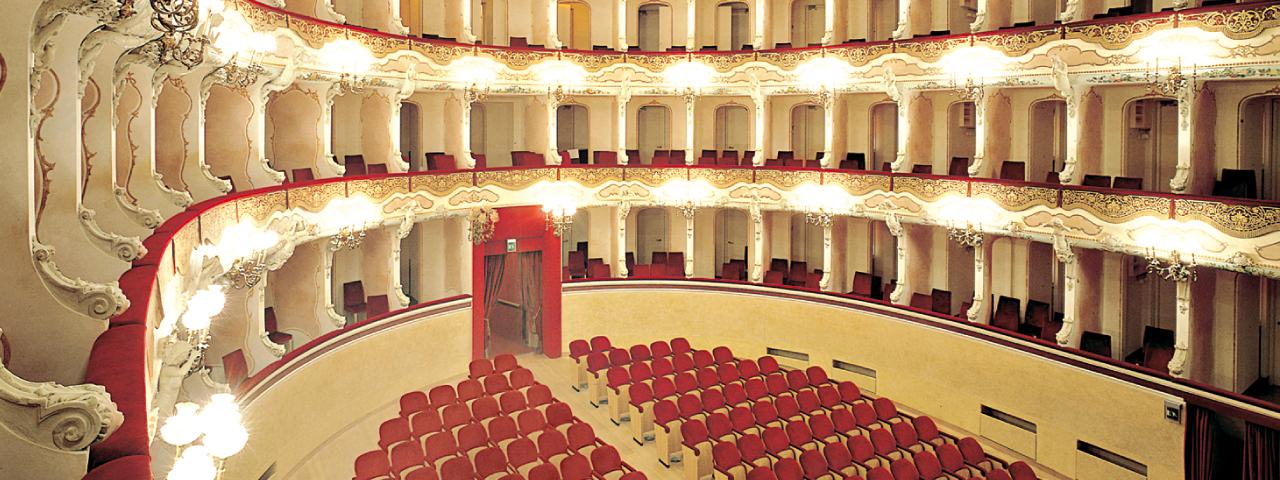 Teatri e Umanesimo Latino